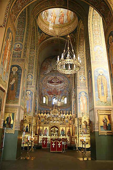 Intérieur de l'église-mémorial de la Nativité