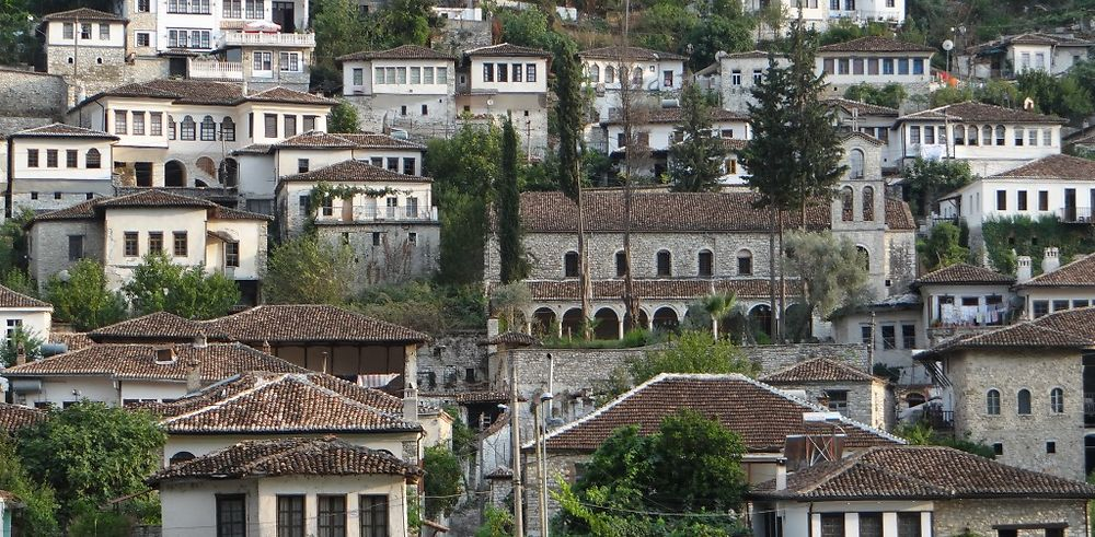 Retour de 10 jours en Albanie avec location de voiture