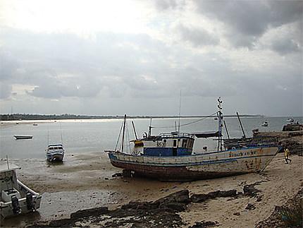Bateaux dans le port de Vilankulo
