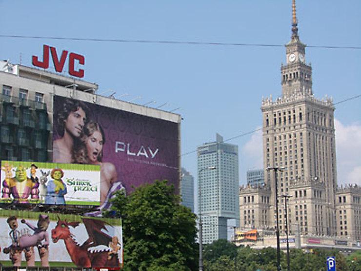 Varsovie dort à l'Est et rêve à l'Ouest