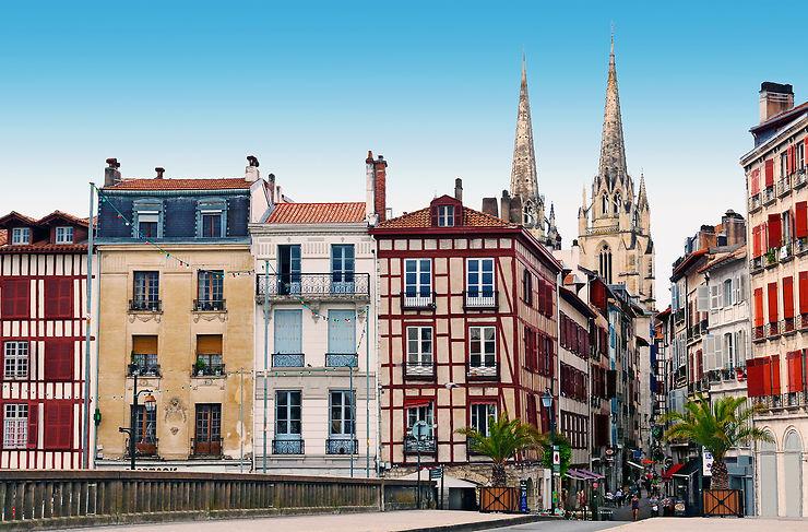 #LeReposDesHeros - Des séjours offerts aux soignants par le Pays basque et le Var