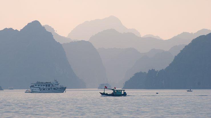 Fin de journée sur la baie de Lan Ha, Vietnam