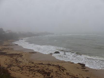 Brume sur mer au Pouldu, Bretagne