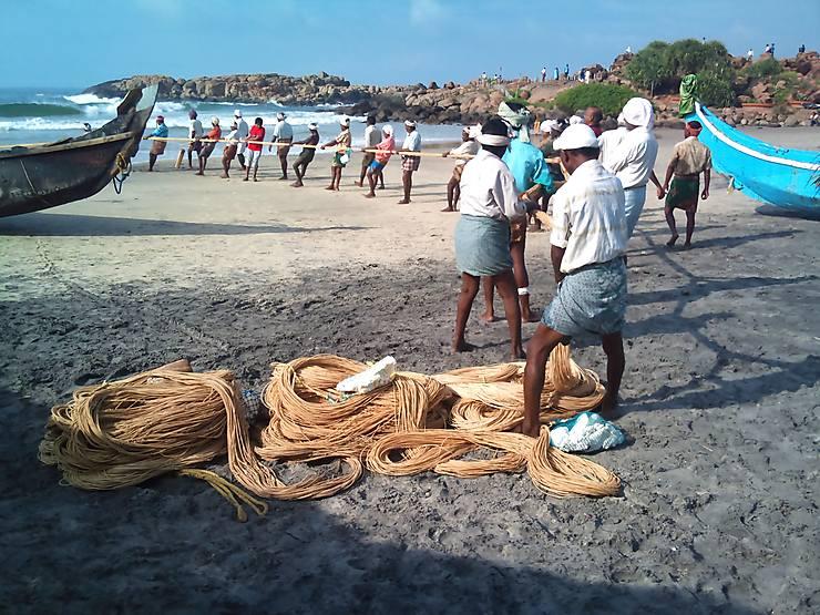 Retour de pêche à Puducherry, Inde