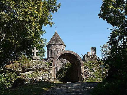 Perdu dans la forêt le monastère de Makaravank