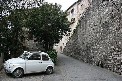 Fiat 500 à Gubbio
