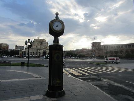 Il est 8 heures, Erevan, se lève...