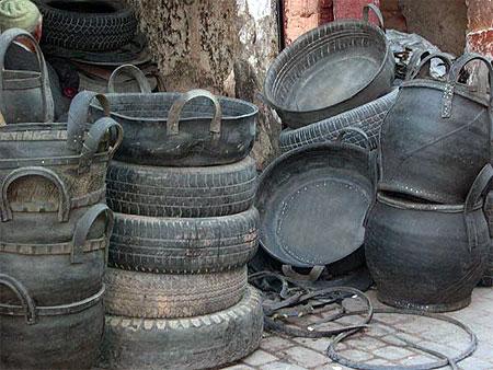 objets en pneu recycl m dina marrakech. Black Bedroom Furniture Sets. Home Design Ideas