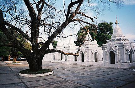 La pagode Kuthodaw ou le plus grand livre du monde