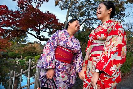 Moment de complicité sous les couleurs de Kyoto