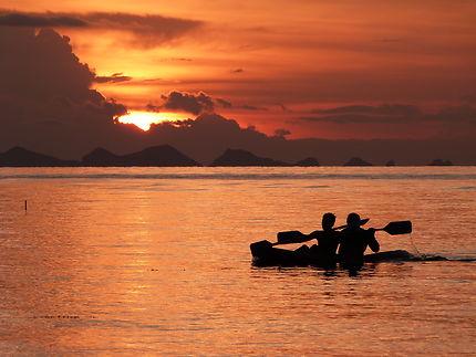 Coucher du soleil en kayak sur Koh Samui