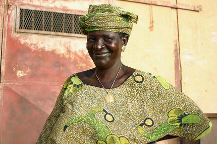 Maman peule au port de Mopti