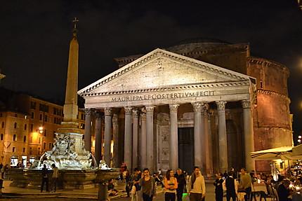 Panthéon by night