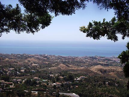 Panorama vue de la colline à Mijas