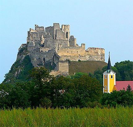 Ruines du château de Beckov