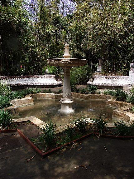 Fontaine dans un parc à Malaga