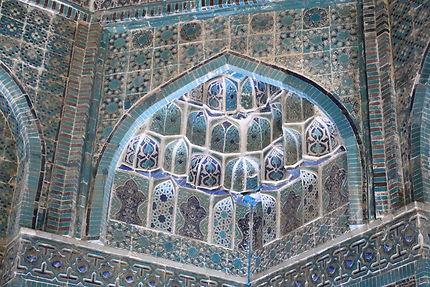 Détail de l'intérieur d'un mausolée du Chaki-Zinda