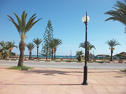 Une ruelle de Hammamet en Tunisie