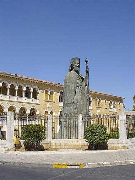 Statue de l'archevêque Makarios
