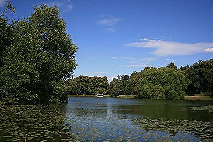 Lac du parc Jean-Jacques Rousseau