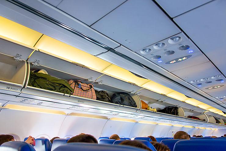 Pratique - Bagages en avion : comment payer moins cher ?