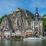 Citadelle et collégiale de Dinant en Belgique