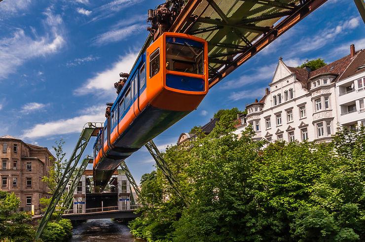 Train suspendu - Allemagne