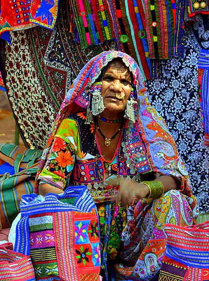 Femme d'une tribu du nord avec ses bijoux