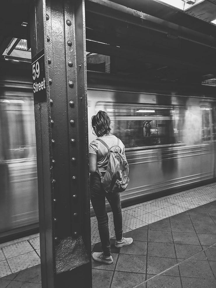 Waiting for subway, New York