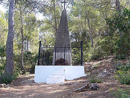 Ile de Cabrera: Monument aux soldats Français