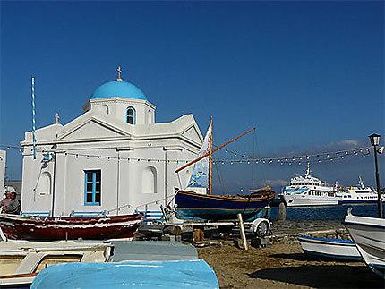 Eglise sur le Port de Mykonos