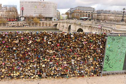 Vestiges de Paris du Pont neuf