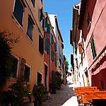 Petite rue colorée de Rovinj