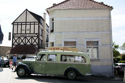 Vieille voiture à Wissant