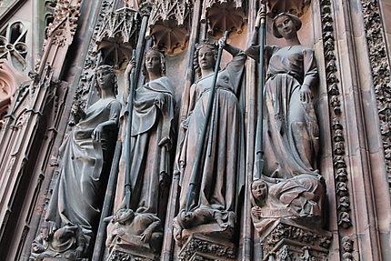 Statues de l'ébrasement