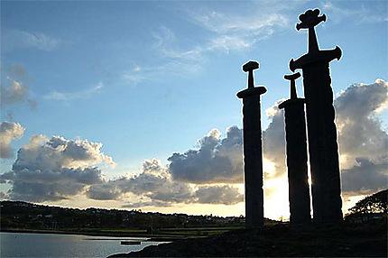 Les épées dans le roc