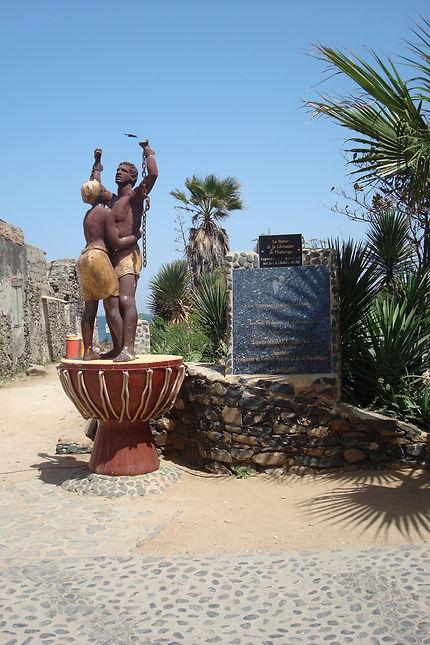 Ile de Gorée, statue les esclaves