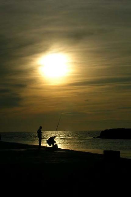 Coucher de soleil et pêcheurs