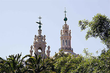 Lisbonne - Basilique da Estrela - Un des clochers et haut du dôme