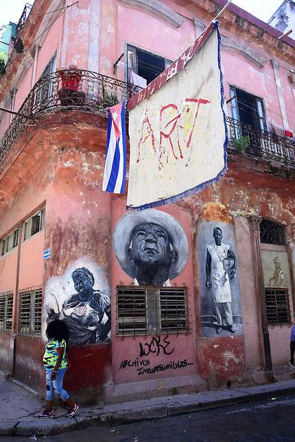 Peintures murales dans la vieille Havane