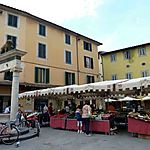 Place du marché à Pistoia