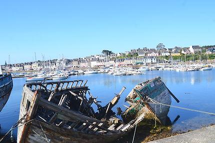 Le port de Camaret, épaves de bateaux