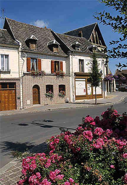 Maisons anciennes, place du Marché au Lin, Doullens
