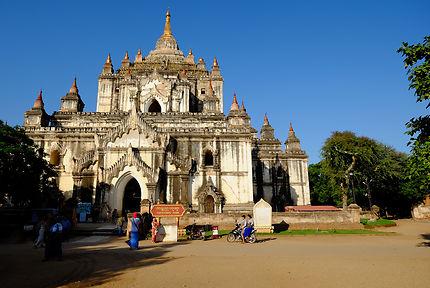 Pagode Thatbyinnyu à Bagan