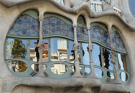 Reflets sur la casa Battlò