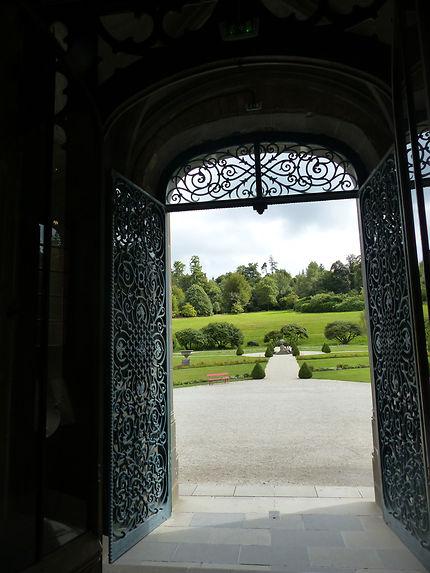 Vue sur jardin au Château de Trévarez