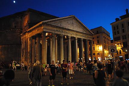 Le Panthéon la nuit