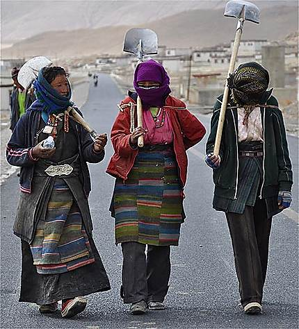 Sur la route de l'amitié vers Lhassa