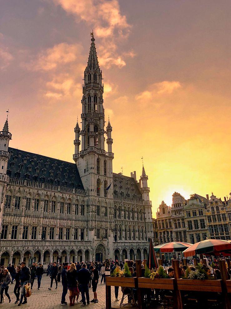 Coucher de soleil sur la Grand-Place de Bruxelles