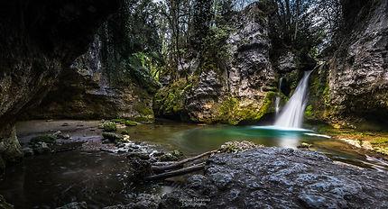 Tines de Conflens - Cascade de Sarraz-Vaud-Suisse